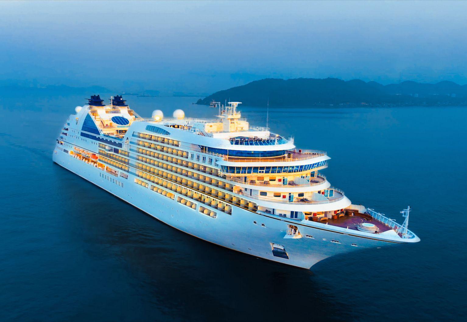 cruiseshipcrop-sanitation.jpg